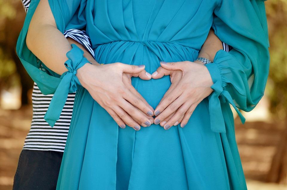 愛, 幸せ, 妊娠中, 家族, 一緒に, 日, パパ, 父権, 中心部, マタニティ, 母性, 胎児, おなか