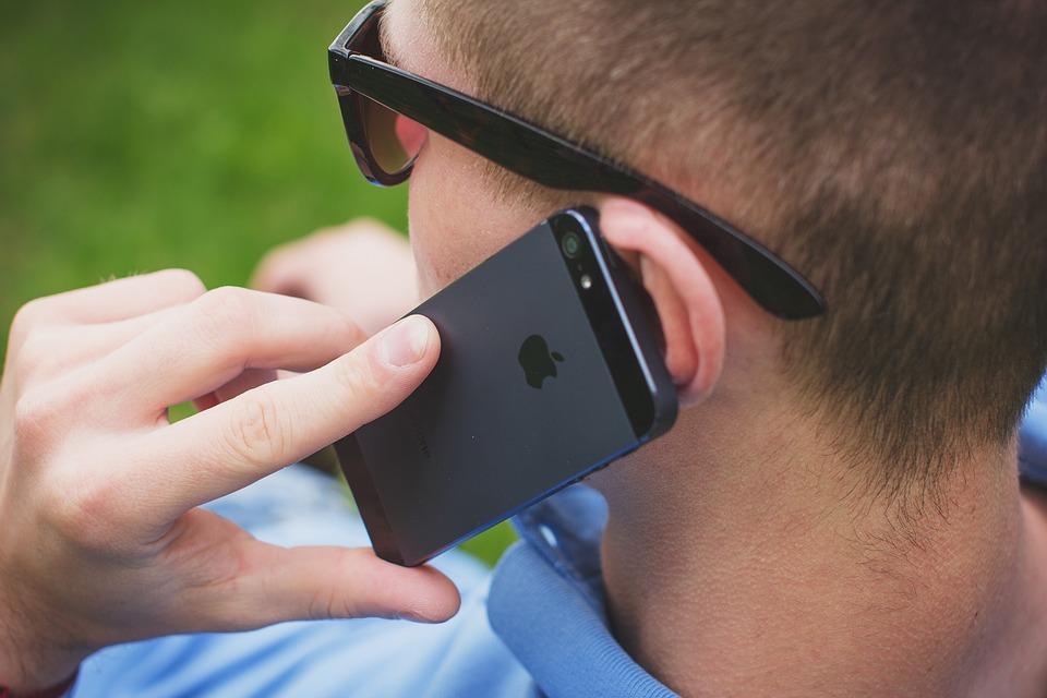 アップル, お問い合わせ, 男, 携帯電話, 人, スマート フォン