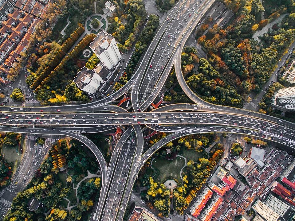 アーキテクチャ, 建物, 車, 市, 都市の景観, 高速道路, インフラストラクチャ, 道路, トラフィック