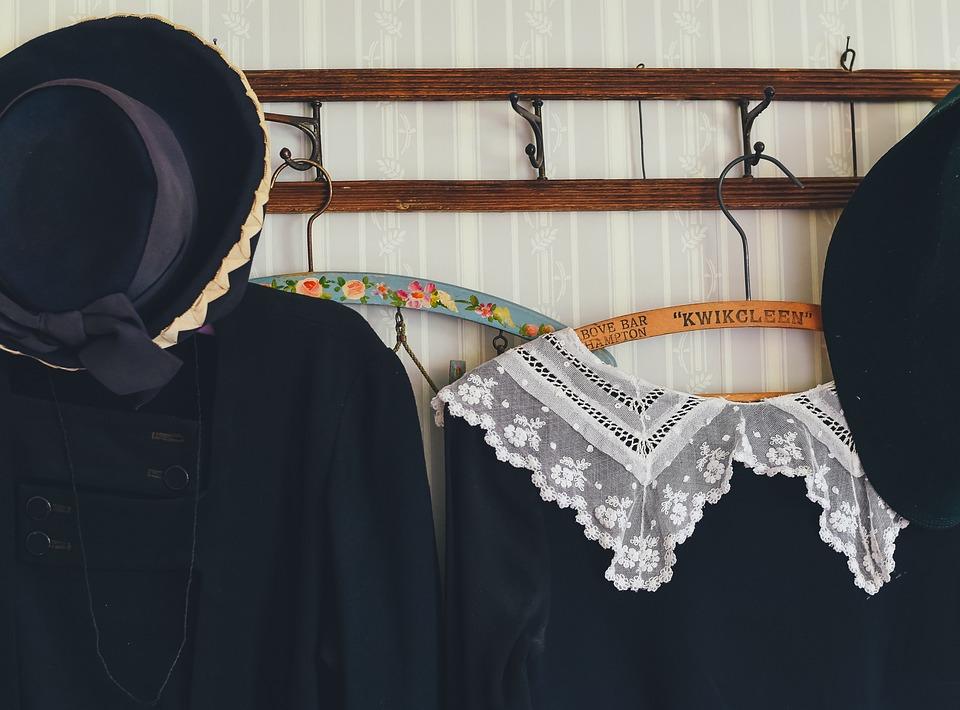 服, 洋服ハンガー, 衣料品, ドレス, ファッション, 帽子, 青色のファッション