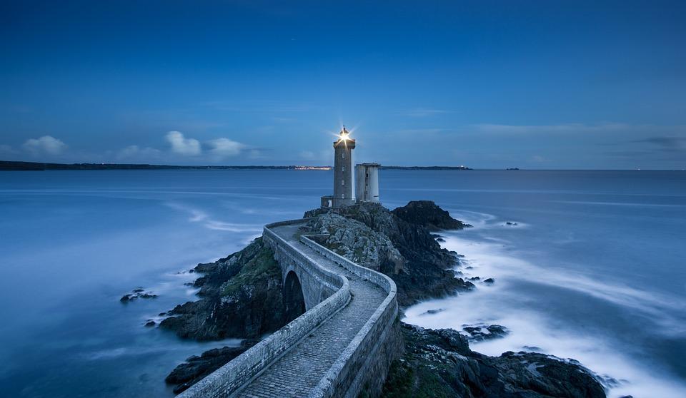lighthouse-1838593_960_720.jpg