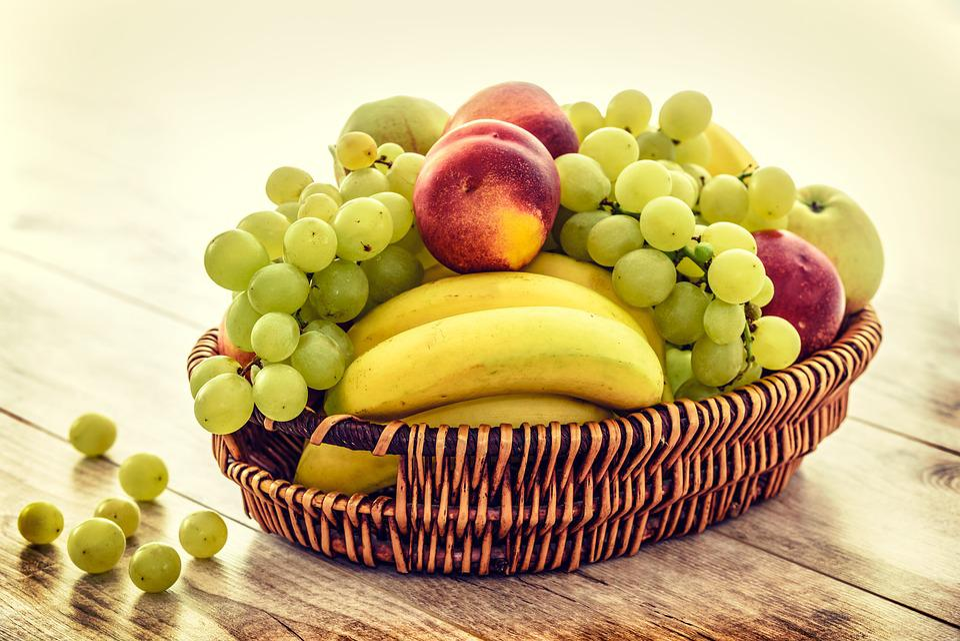 Cesto Di Frutta, Banane, Uva, Mele, Nettarine