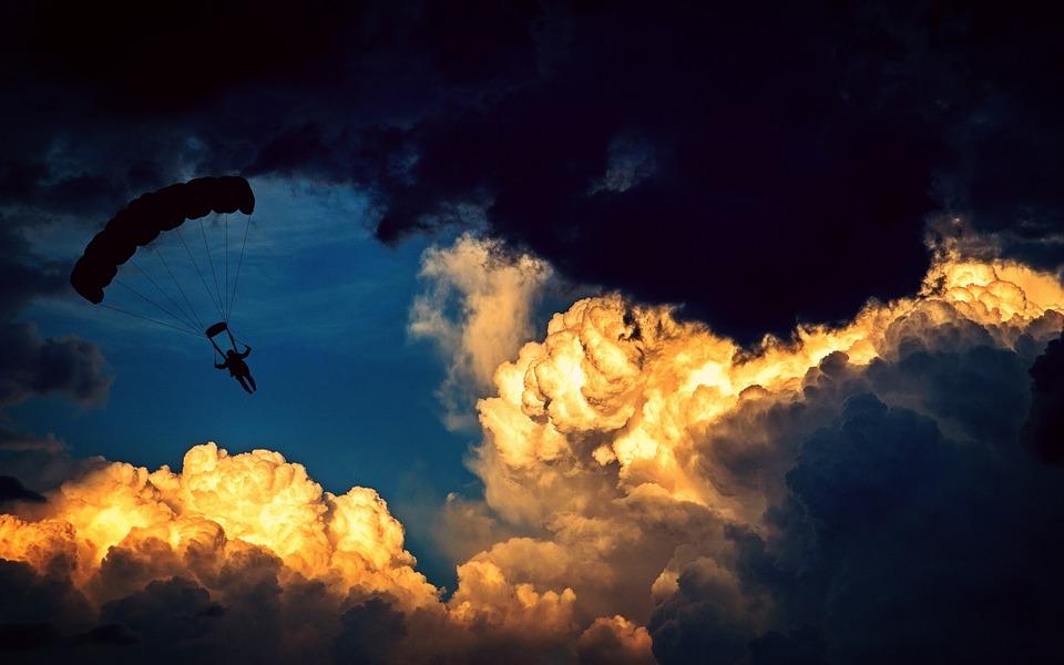 パラシュート, 落下傘兵, パラグライダー, 航空スポーツ, 飛行, レジャー, 空, 雲, 高さ, 高