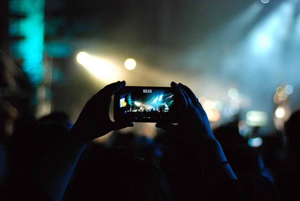 携帯電話, コンサート, レコード, ビデオ, 記録, 録画, ステージ, 祭り, ライト, 祝賀会, 人