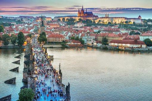 Curiosidades de Praga, Puente de Carlos