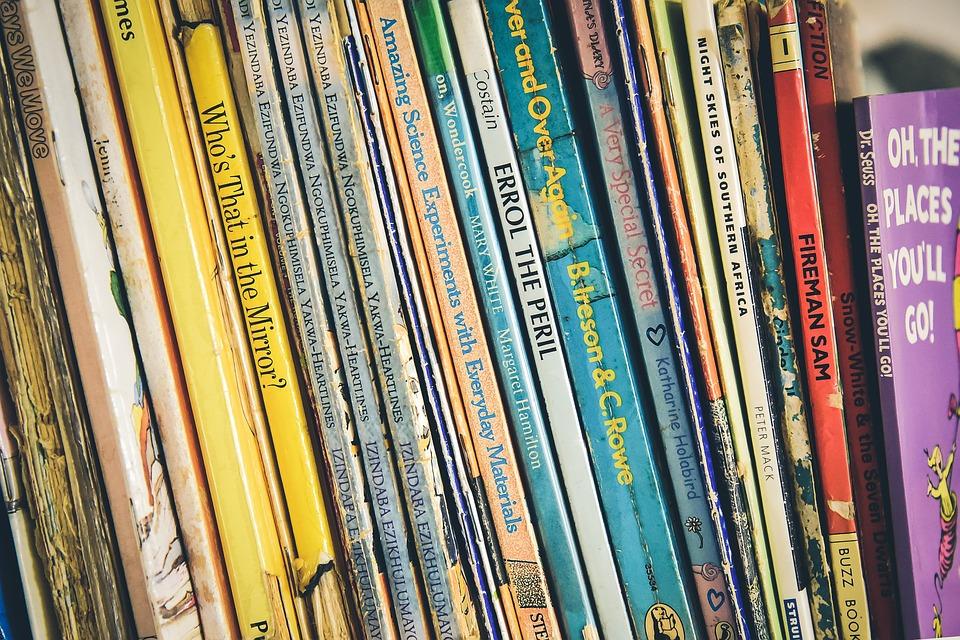 boekenkast boeken data gratis foto op pixabay