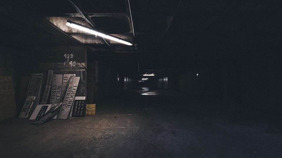 Abandonados, Callejón, La Construcción De, Oscuro