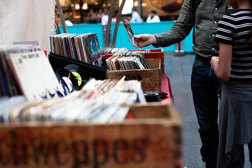 gmbh in liquidation kaufen gmbh kaufen 1 euro CDs und Schallplatten gmbh haus kaufen firma kaufen