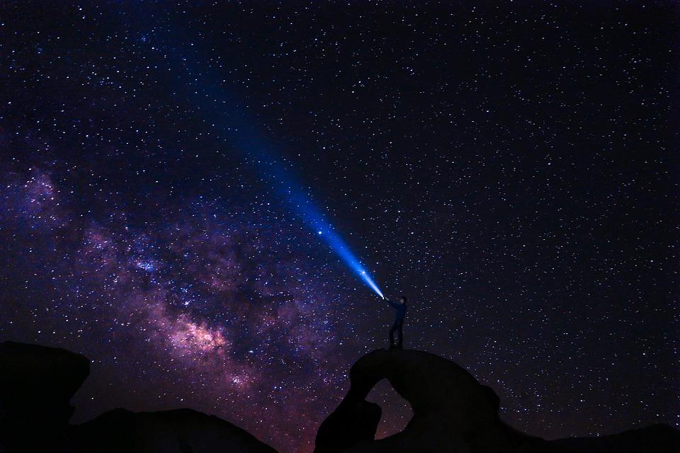 星座, 放心状態, 人, 星空, 星が輝く夜, コスモス, 暗い, 探査, 銀河, 光, 天の川, 泊