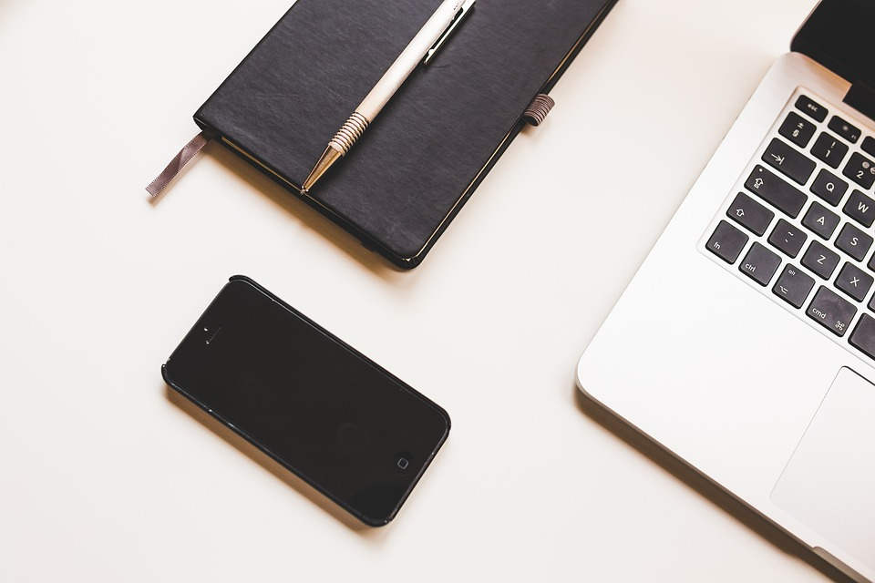 free photo: apple, computer, desk, iphone - free image on pixabay