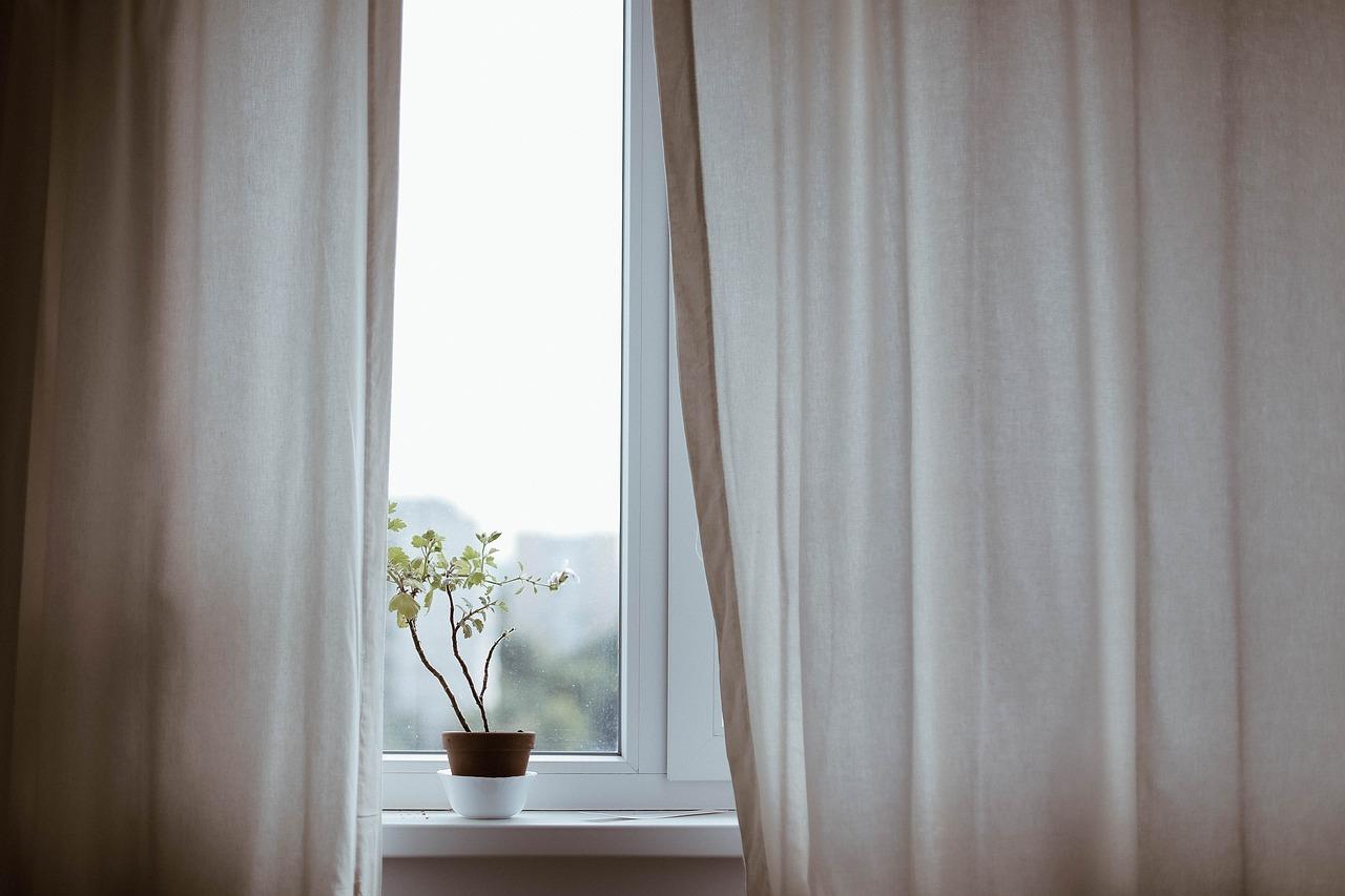 Comment remplacer un simple vitrage sur une fenêtre ?