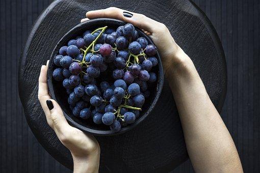 Manfaat Buah Anggur Hitam untuk Kesehatan dan Mengobati Penyakit