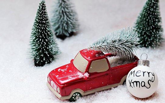 Christkind oder Weihnachtsmann? Oder doch jemand anders?