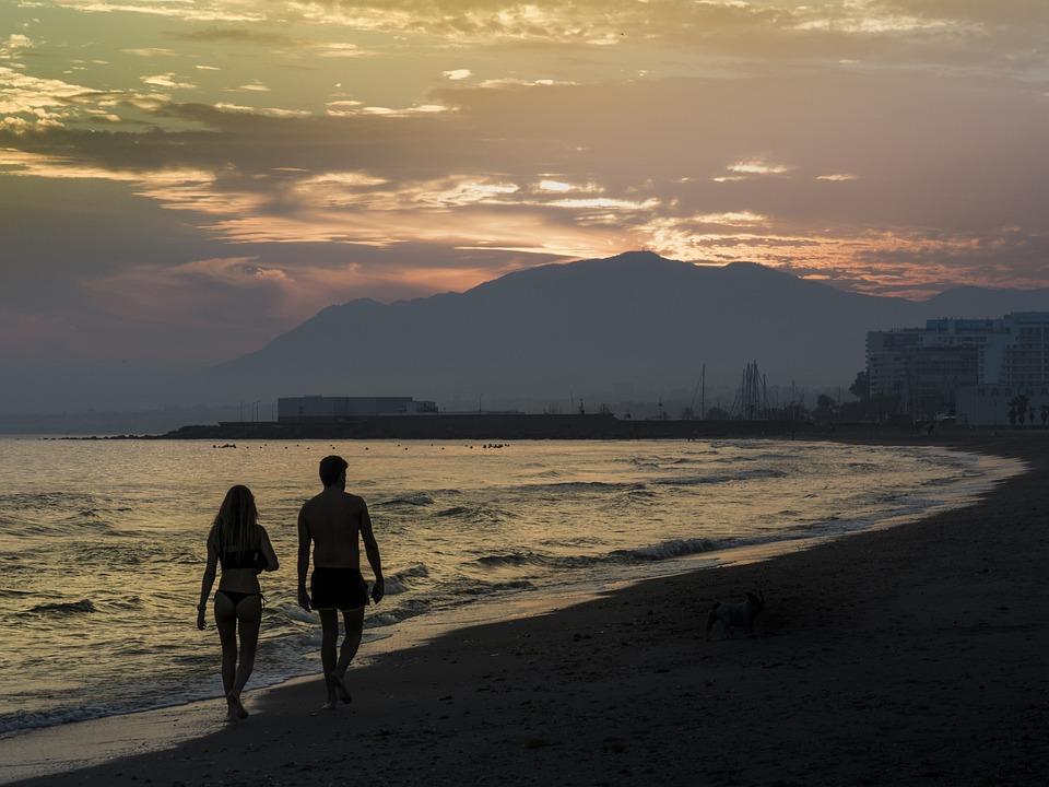 Foto Gratis: Pareja, Atardecer, Playa, Romántico