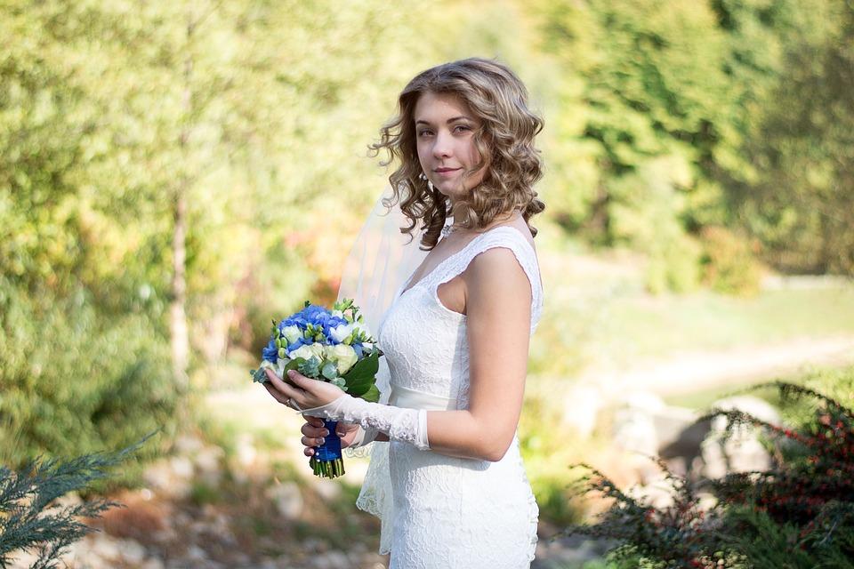 Witte Jurk Op Een Bruiloft.Bruiloft Gelukkig Bruid Witte Gratis Foto Op Pixabay