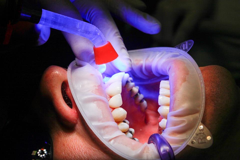 Стоматолог-ортопед: задачи, специализации, методы обследования и технологии, стоимость услуг