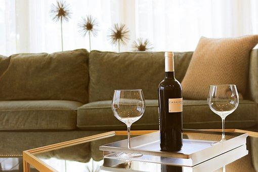 """家でワインを飲む"""""""