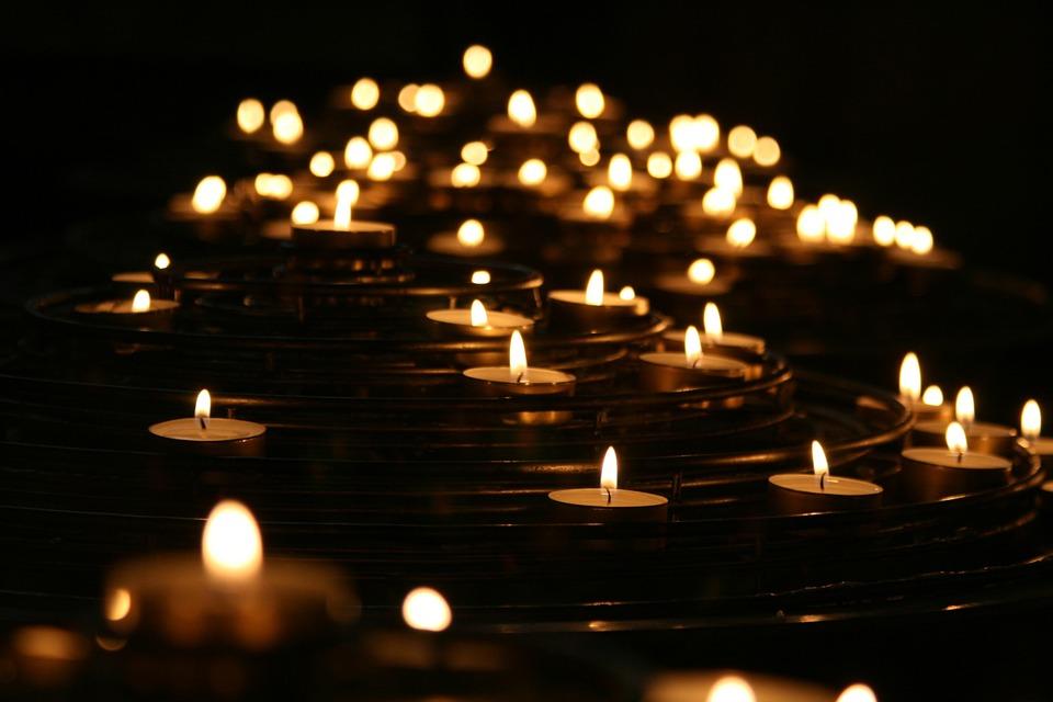 Gyertyafény, Gyertyák, Sötét, Láng, Megvilágított, Fény