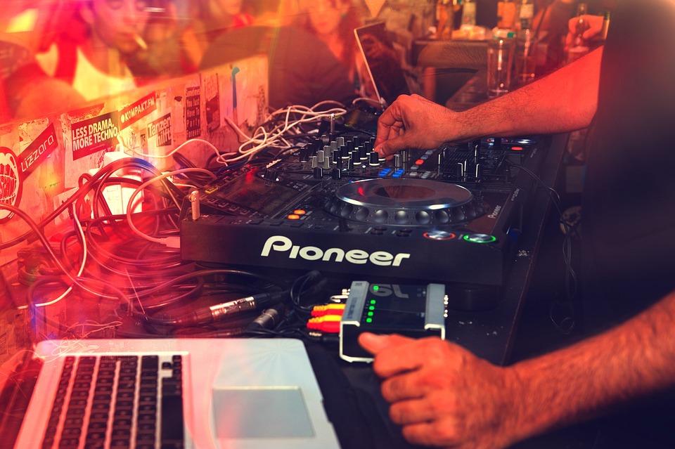 Club, Club Scene, Disco, Discotheque, Dj, Dj Mixer