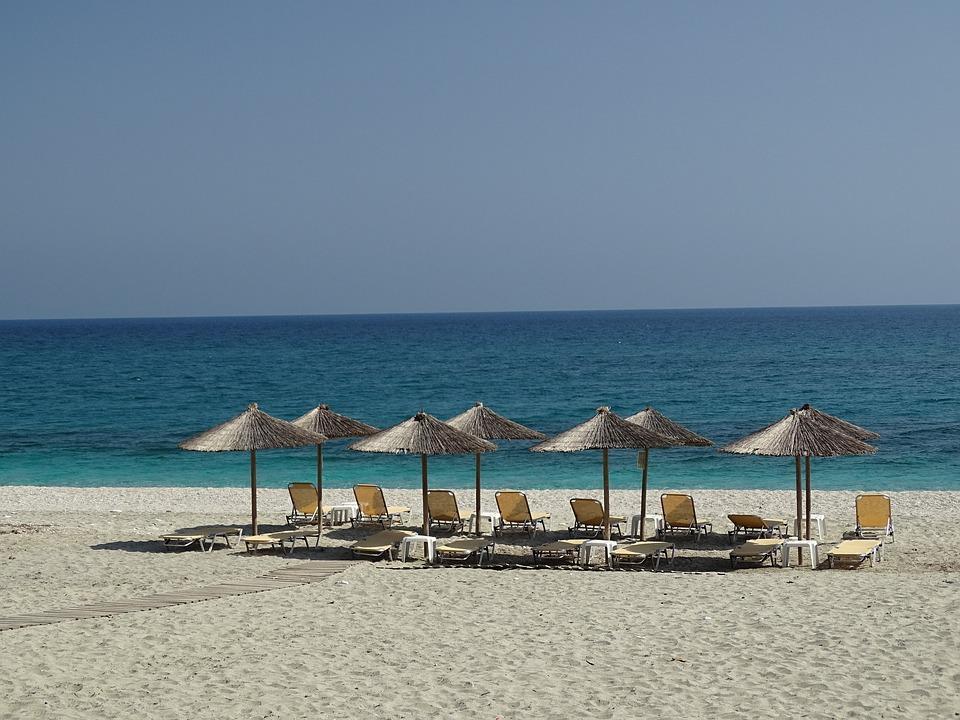 grecia verano vacaciones mar playa arena tumbona