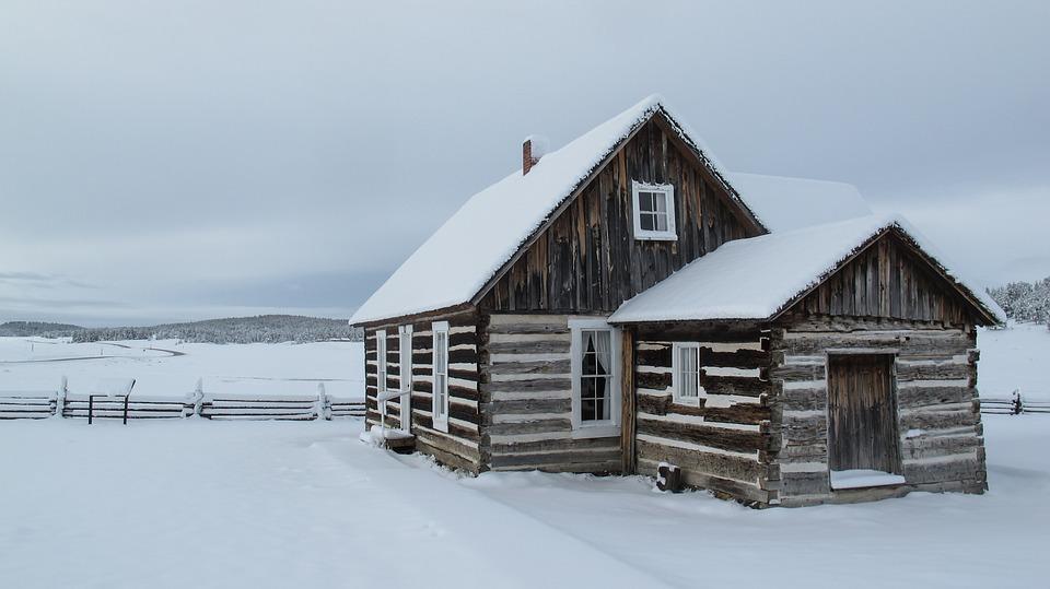 snow log cabin free photo on pixabay