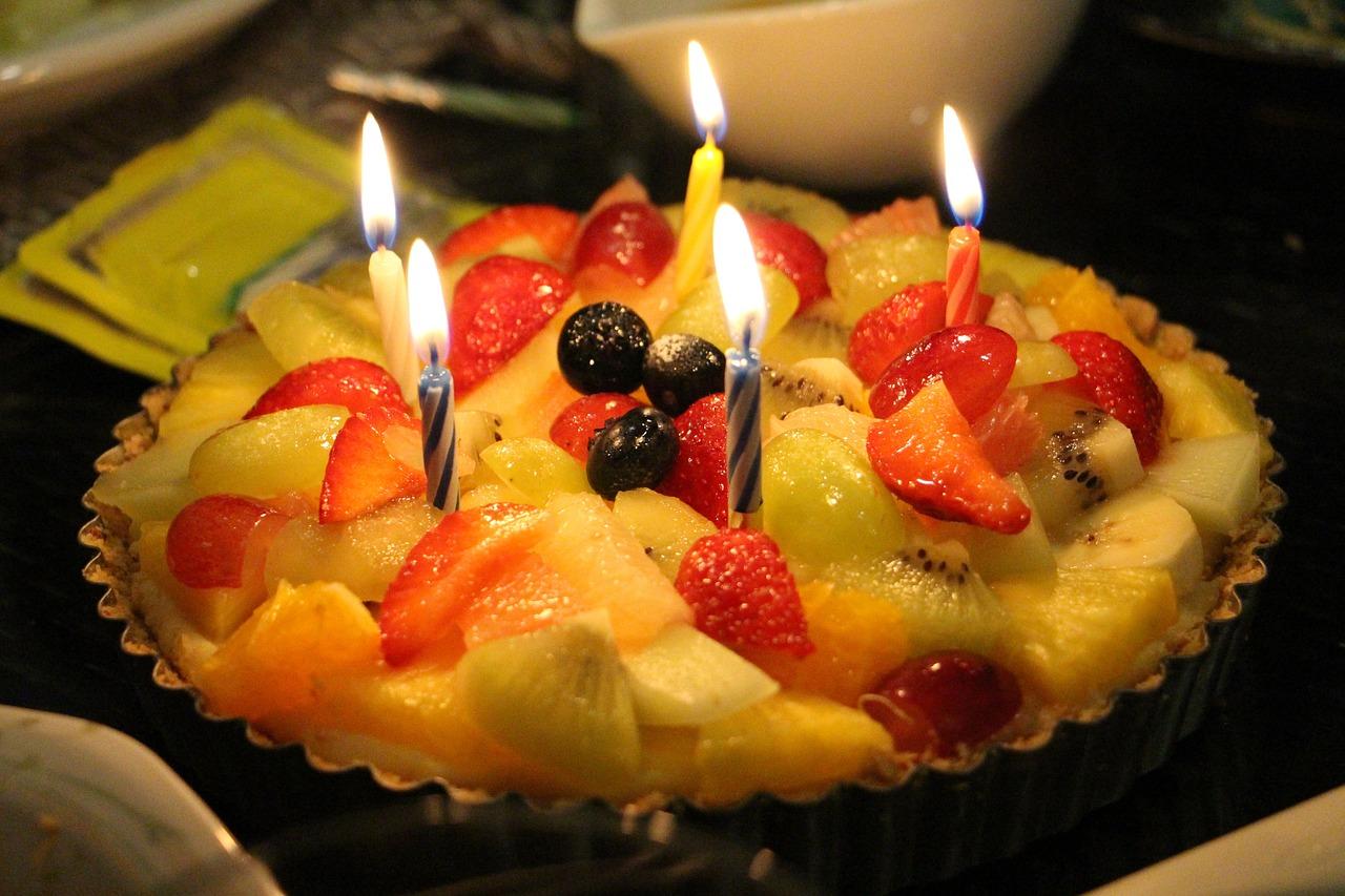 С днем рождения картинки с фруктами