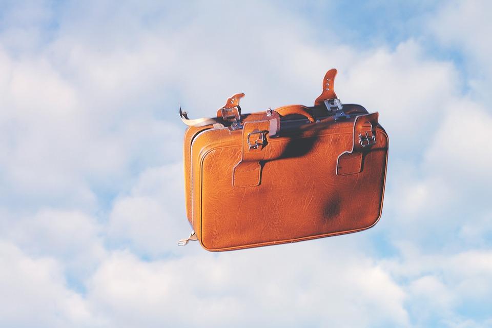 Suitcase Flying Heaven - Free photo on Pixabay