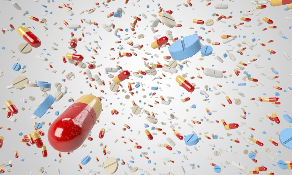 錠剤, カプセル, 飛行, 多く, 大群, 質量, 医療, 医学, 健康, 薬剤, 薬局, ビタミン, 薬