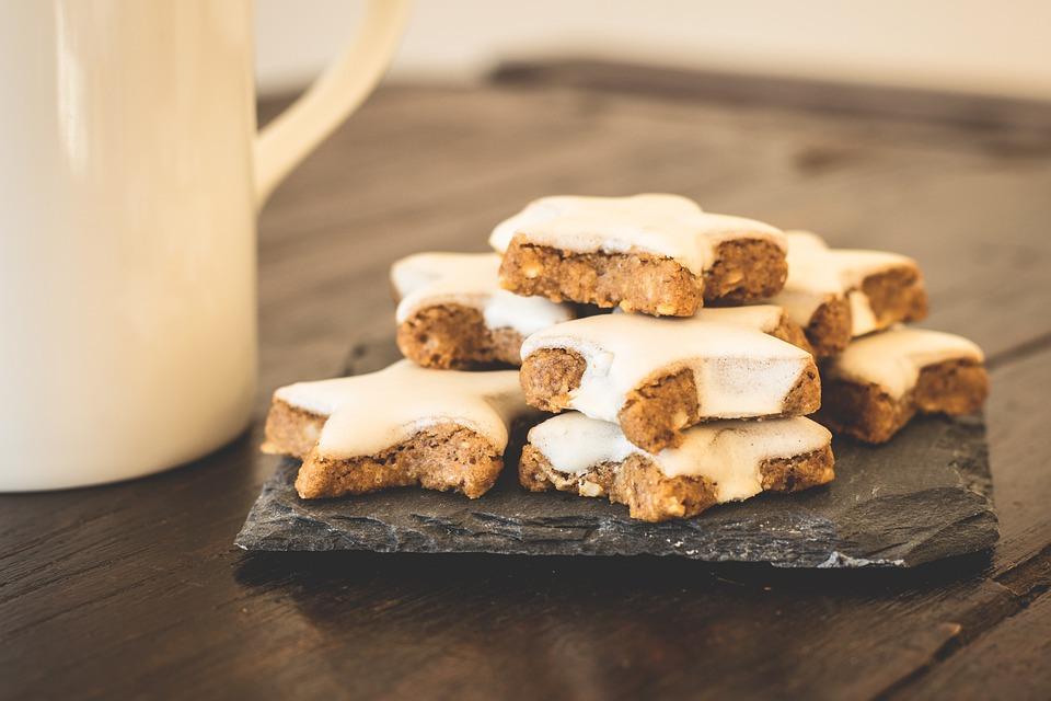 Cookies, Pastries, Biscuits, Cinnamon Stars, Glaze