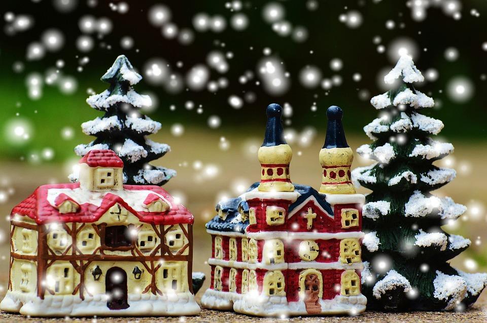 Weihnachtsdeko Weihnachtsdorf.Weihnachten Weihnachtsdorf Kirche Kostenloses Foto Auf Pixabay