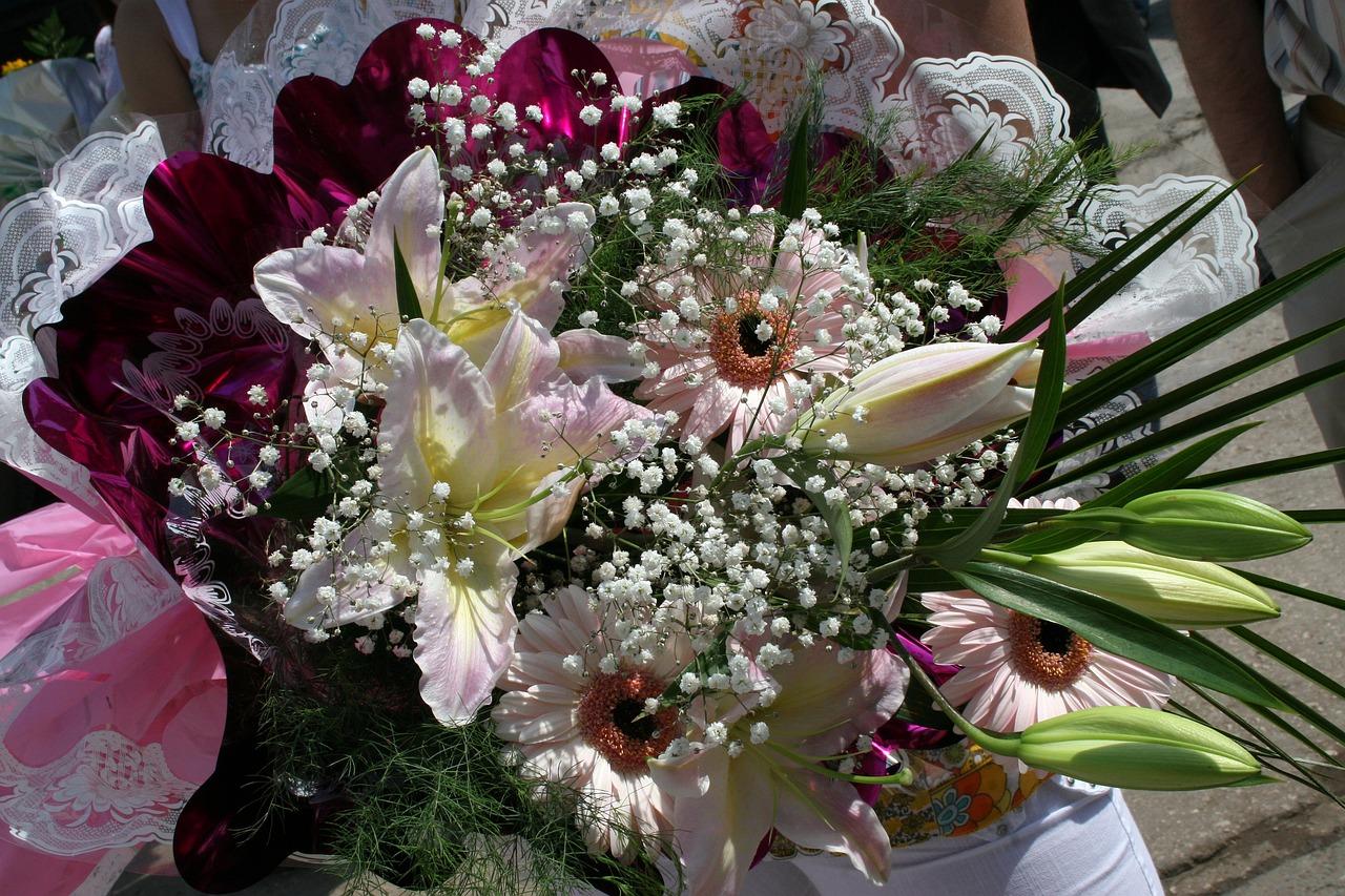 Букеты цветов для торжества, оптом рти