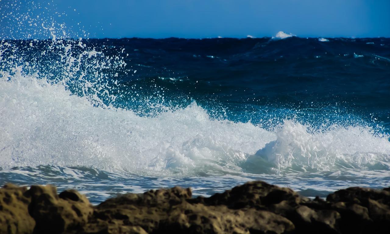 Море и волны фото в хорошем качестве