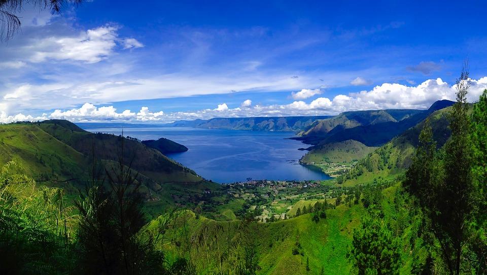 Ilustrasi pemandangan Danau Toba