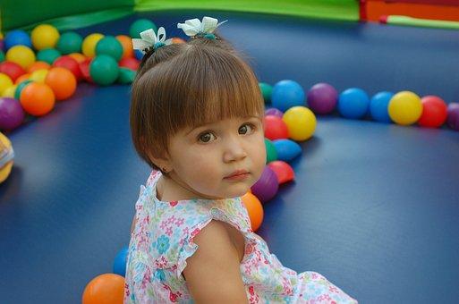 Escuela para niños en Palma Escoleta Montessori El Barquito, niños, juegos, cuidados
