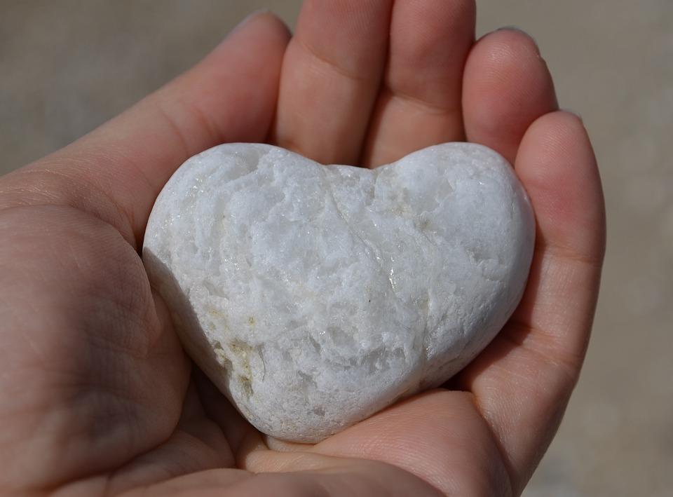 Heart Stone Hand - Free photo on Pixabay
