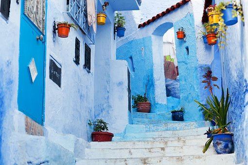https://cdn.pixabay.com/photo/2016/12/20/18/26/chefchaouen-1921173__340.jpg