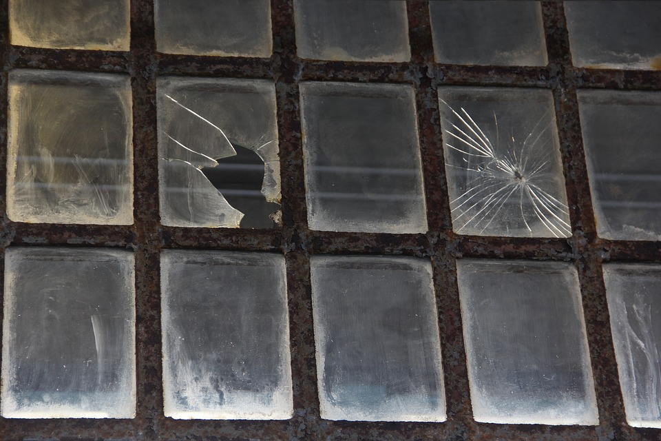 Frame Of A Car >> Broken Window Frame · Free photo on Pixabay