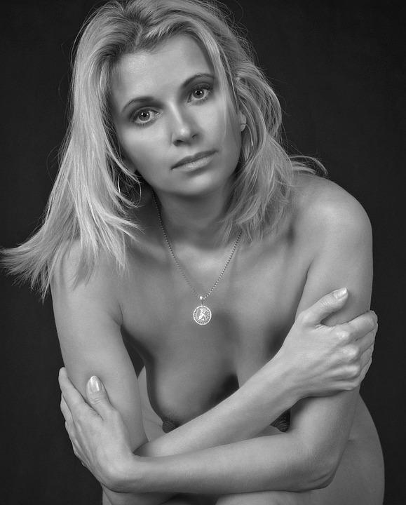 svenska tjejer nakenbilder tjocka nakna kvinnor