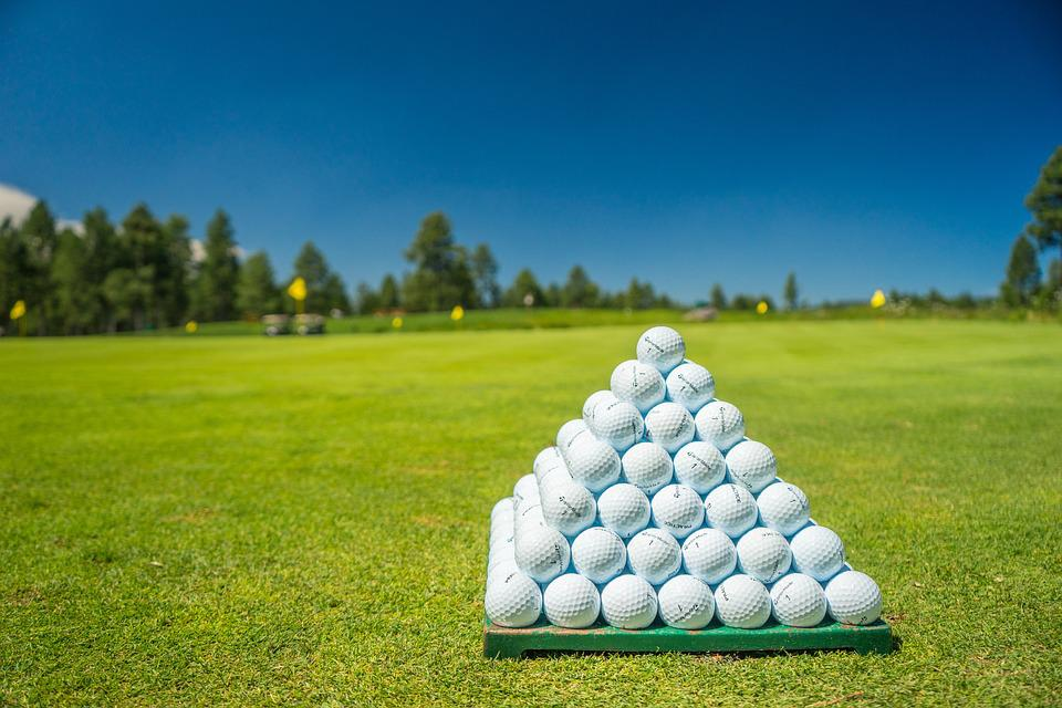 image of golf balls