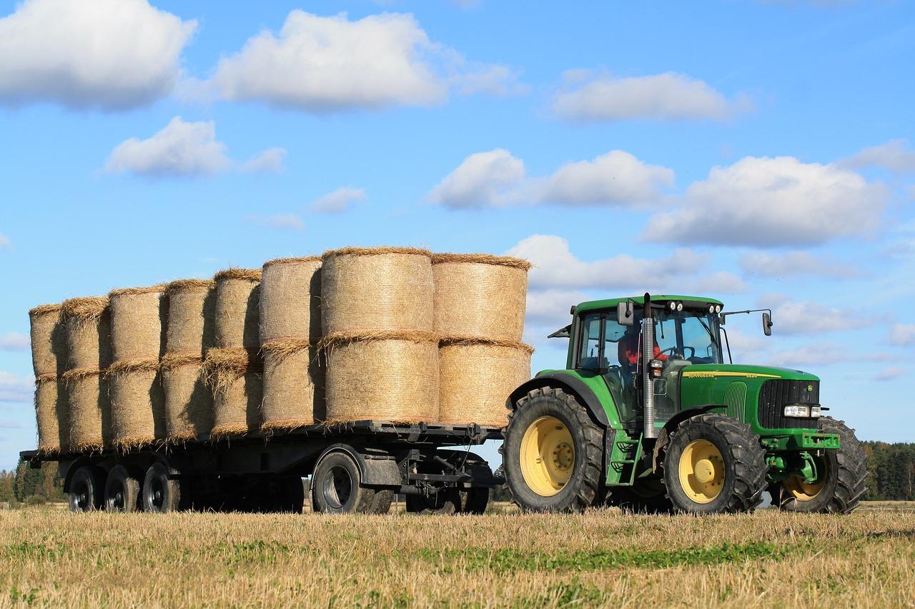 сельхозтехника в поле картинки достигается счет матрицы