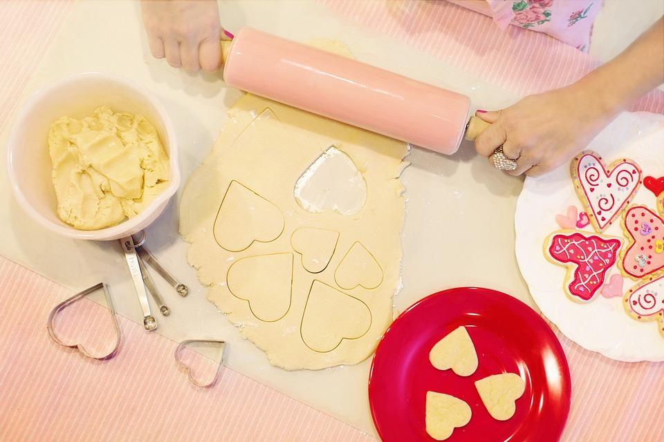 Valentinstag, Backen, Kekse Backen, Herzform Cookies