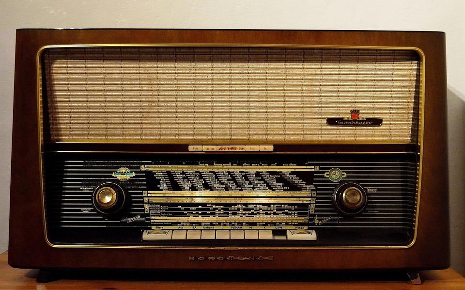 Resultado de imagem para rádio