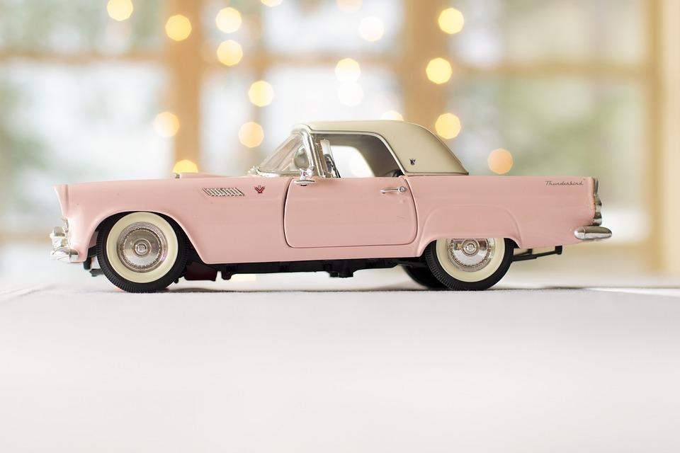 车, 粉红色轿车, 雷鸟, 车道, 驾驶, 酿酒, 粉红色, 车辆, 自动, 运输, 汽车, 符号, 复古