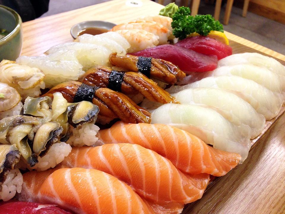 寿司, 和食, サケ, うなぎ, 回, 魚, 食糧, おいしい, マグロ, 光あり, 貝殻