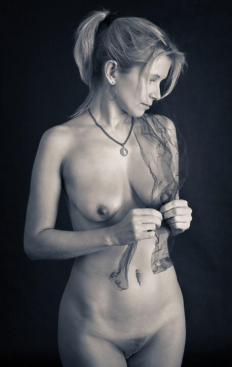 Act Nude 46