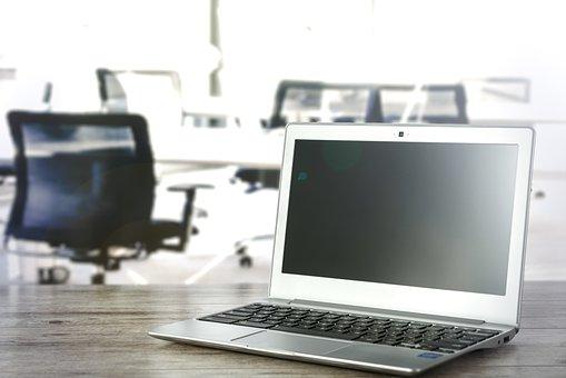 オフィスのノート パソコン, ワークデスク, 作業駅, 株, 椅子