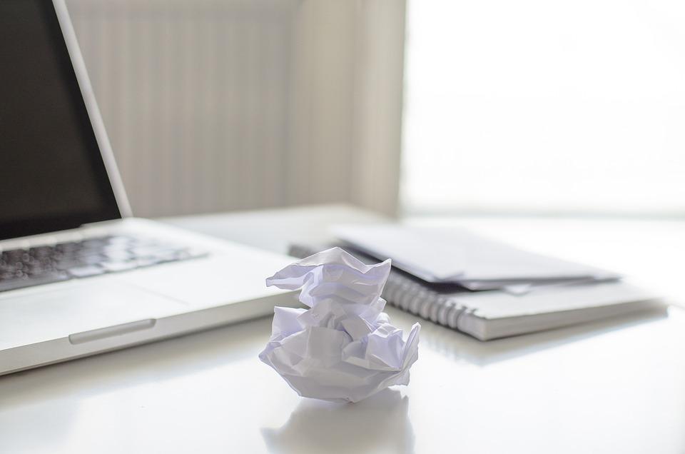 Zajęty, Strona Główna, Biurko, Papieru, Laptop, Zobacz