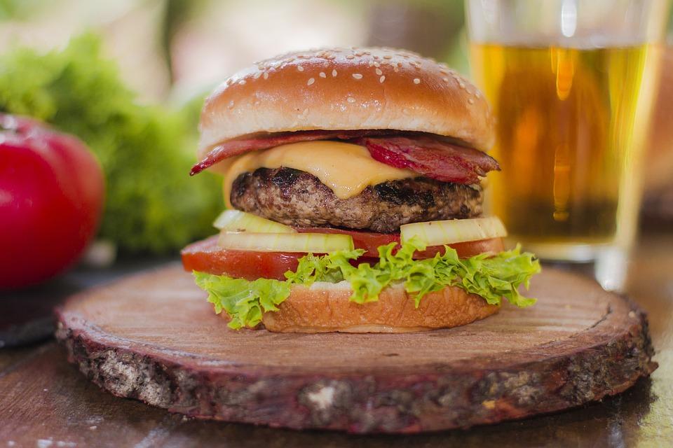 햄버거, 패스트 푸드, 음식, 메뉴, 레스토랑, 콜레스테롤, 고기, 쿡, 빵, 요리법, 감자 튀김