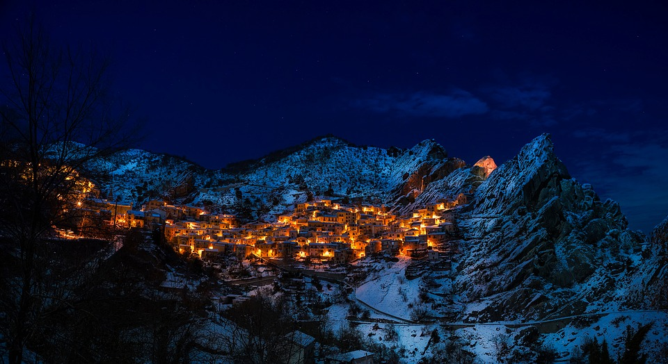 Castelmezzano, Italy, Village, Town, Mountains, Winter