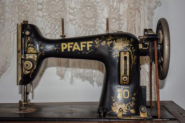 Sewing Machine Old Retro Free Photo On Pixabay